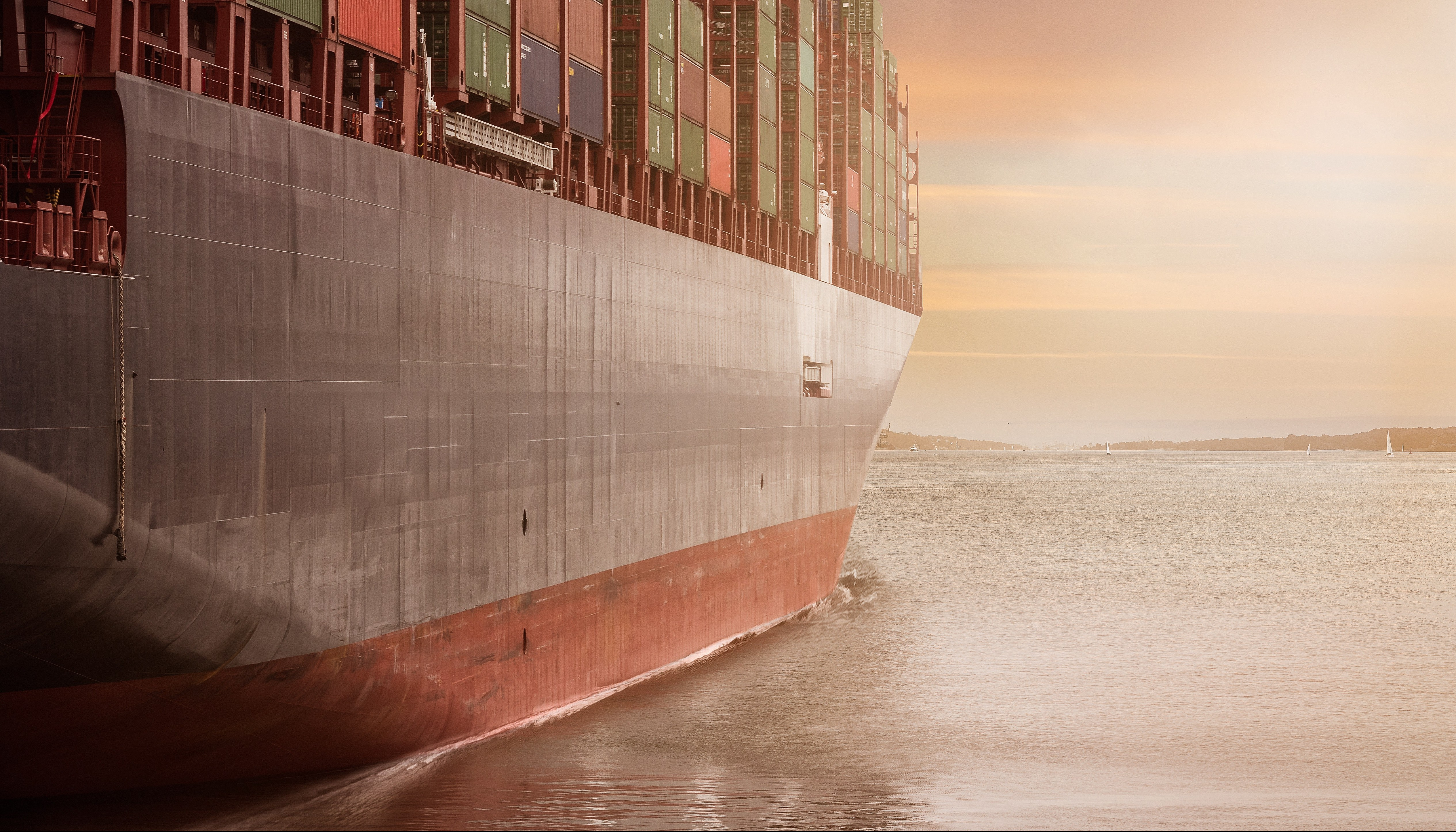 Six Useful Tips for International Shipping